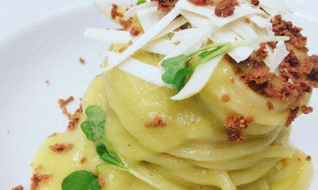 Spaghetti quadrati di Gragnano con crema di porri aromatizzata al limone bottarga e cacioricotta