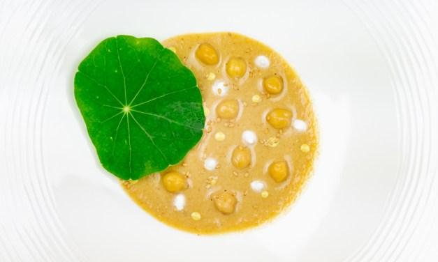 Hummus, panna acida, senape e nasturzio by Giacomo Caravello