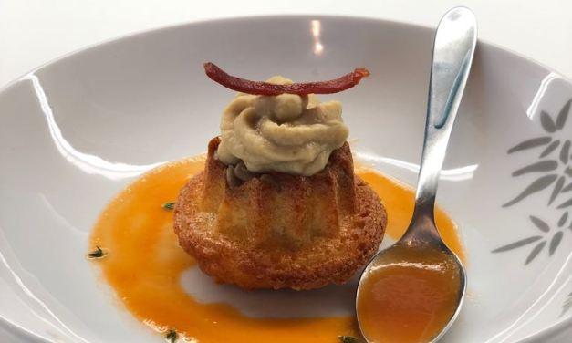 Mini savarin rustico, hummus, prosciutto di Torano croccante e gazpacho andaluso by Annalisa D'Incecco