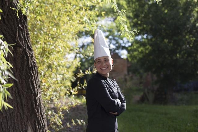 """Angela Tucci, la giovane chef che crea """"Curiosità"""""""
