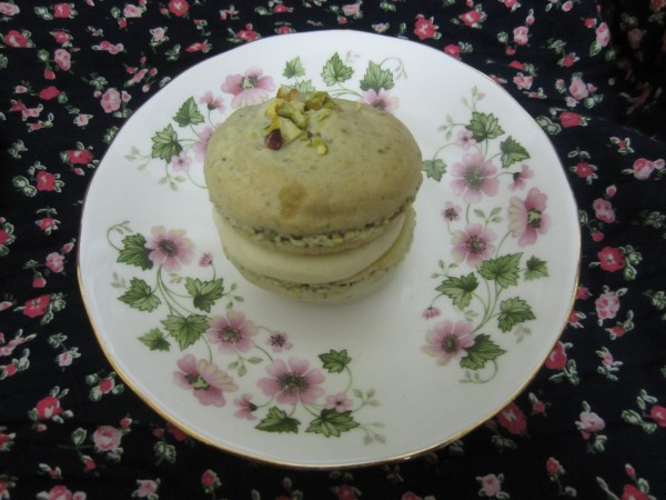 Baklava Macarons with Honey and Cinnamon Buttercream