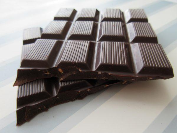 Le Chocolat des Francais Dark Chocolate & Hazelnuts