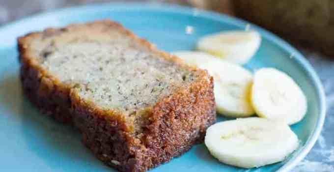 Easy, Super Moist Banana Bread