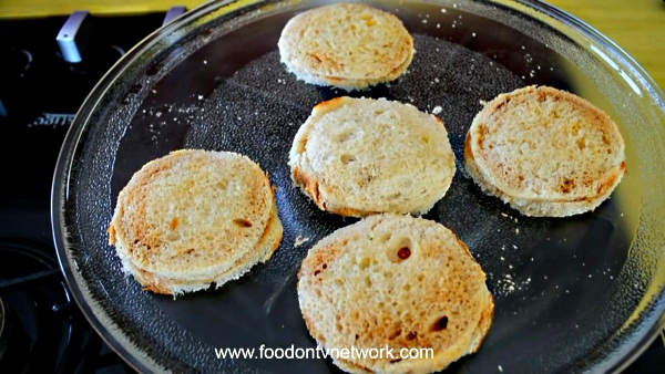 How to cook Paneer Sandwich Kachori Recipe.