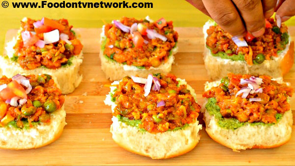 How to Cook Pav Bhaji Toast Recipe.