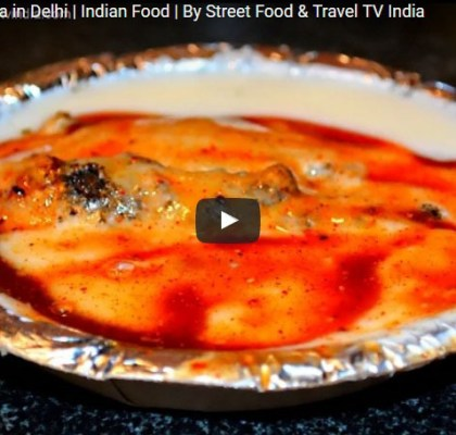 Dahi Bhalla. Street Food in North India. Street Food India.