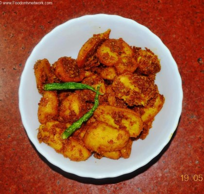 Fried Arbi ki Subzi Recipe. Indian Curry Recipe. Vegetarian Curry Recipe.