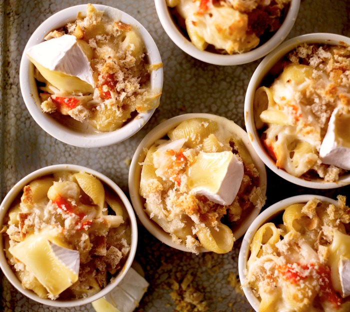 macaroni and brie with crab