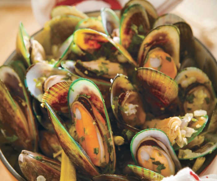 8 Ways To Make Mussels For Dinner Tonight