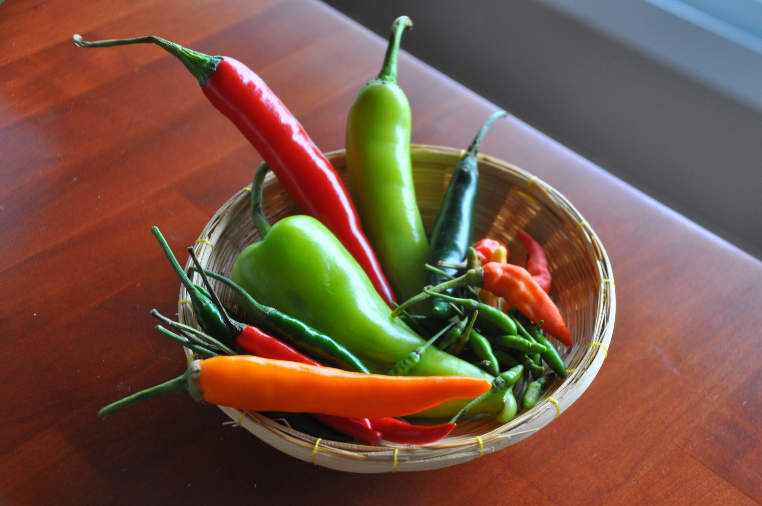 SEEDS OF BEST YELLOW THAI CHILI PEPPER HOT COOKING VEGETABLE
