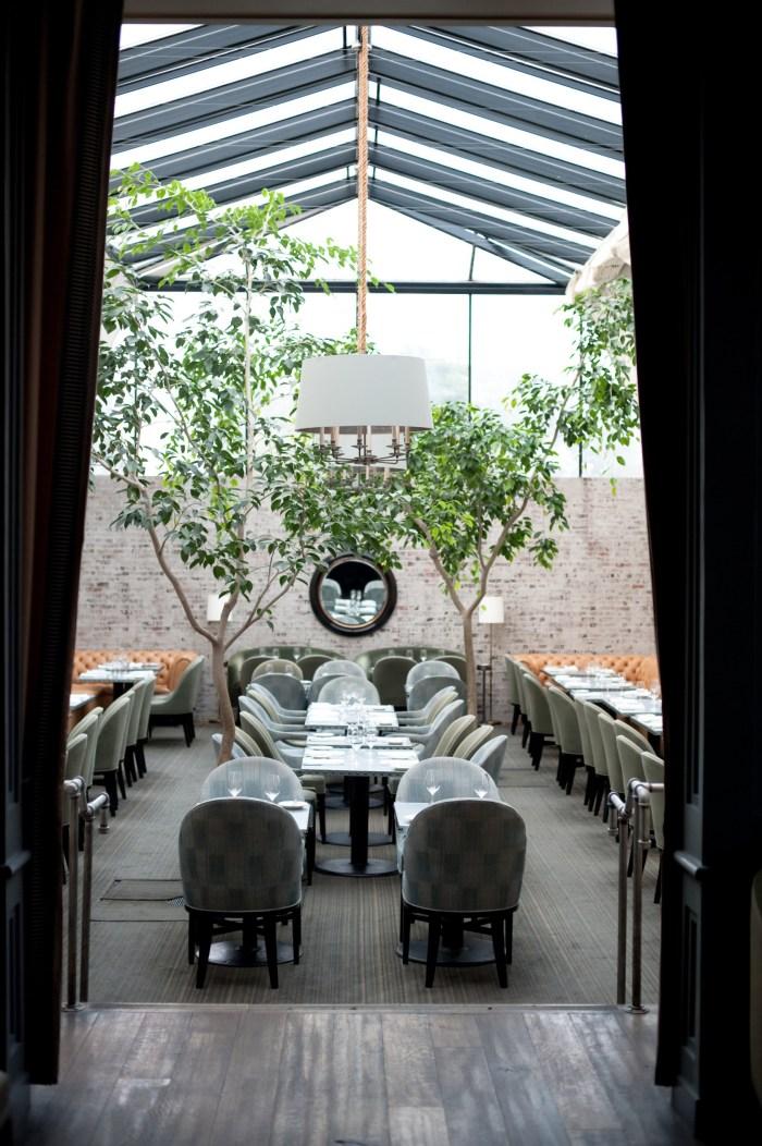 LA-Tavern-American-Interior-Atrium