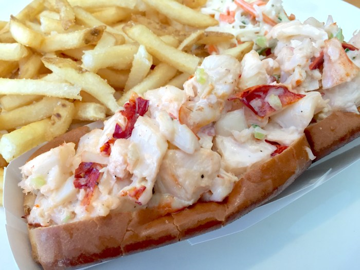 Legal Sea Foods Lobster Roll