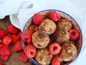 Paleo | Raw | Vegan | No Sugar Added | Chocolate Raspberry Energy Bites