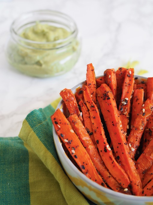 Baked Everything Carrot Fries with creamy Garlic Avocado Aioli