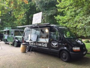 foodtruck met burger truck