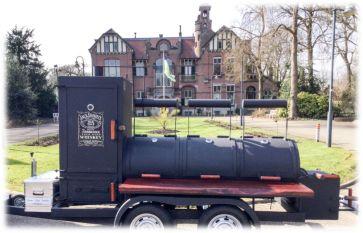 foodtruck met bbq truck