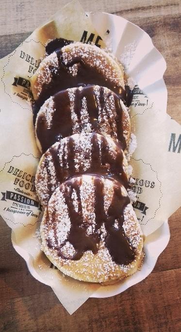 Foodtruck met Pannekoeken american pancakes