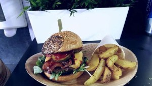 foodtruck met burgers menu