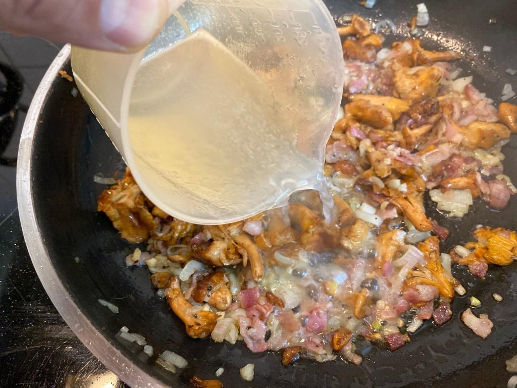 Tagliatelle mit Pfifferlingen und Feldsalat