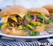 Бургер с тушеным бычьим хвостом и неспелым манго