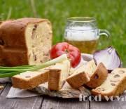 Домашний закусочный  хлеб с колбасками и сосисками
