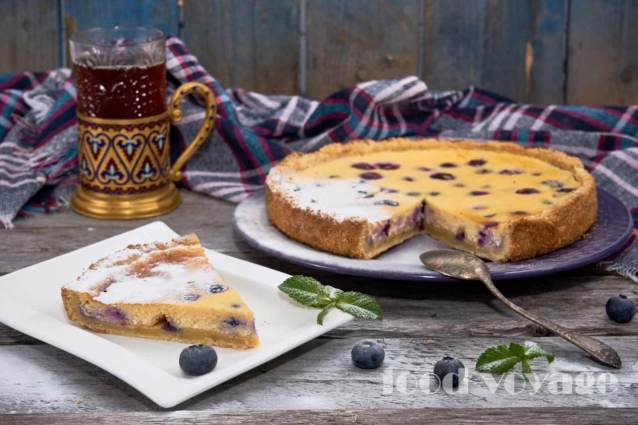Творожный тарт с голубикой и сметанным кремом