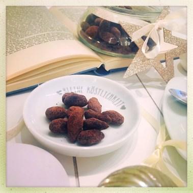 foodwerk.ch, Mandeln, Schokolade, Gewürze, Geschenke, foodblogs, foodie, Schokomandeln, Schokoladenmandeln, Gewürzmandeln, Weihnachtsgeschenk, selbstgemacht, Geschenk, weihnachtliche Mandeln, Knuspermandeln, swissblog, schweizer foodblog, Rezept