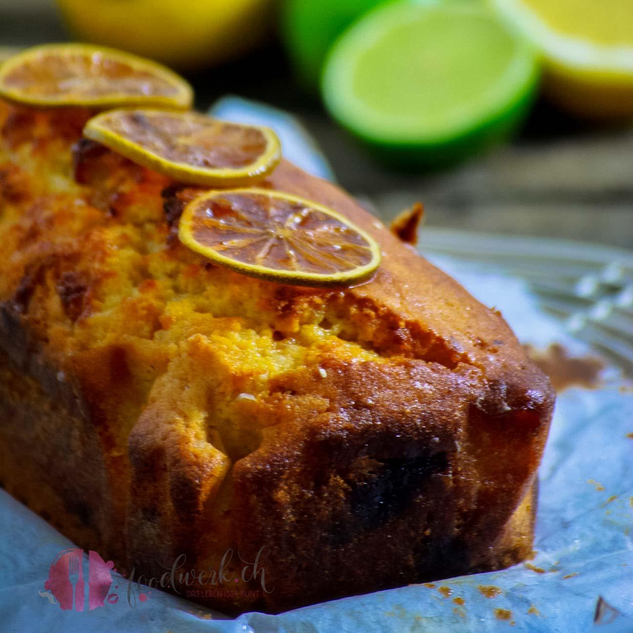 Zitronenkuchen mit karamellisierten Limetten