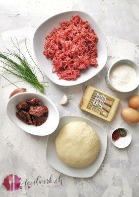 Zutaten für die Hackfleisch mini Pie mit würzigem Hartkäse aus Heumilch