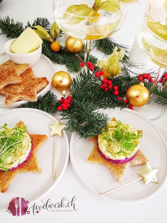 Weihnachtliches Käsetatar mit Toaststern
