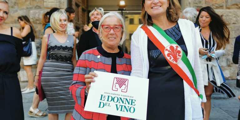 WINE/ ROERO CHE PASSIONE A SINISTRA DEL FIUME TANARO REGNO DEL NEBBIOLO E DELL'ARNEIS
