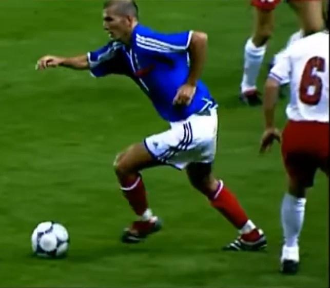 Zidane contrôle orienté