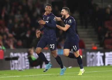 Southampton vs West Ham live: Pellegrini plays 4-4-2 for crunch clash