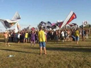 Calciatori ed ultras cantano insieme i cori, Politehnica Timisoara