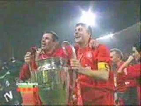 I calciatori Gerrard e Carragher cantano Ring of fire