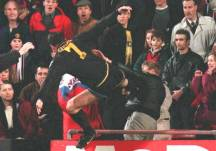 Eric_Cantona_kung-fu_kick