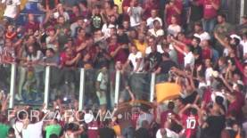 Rodrigo Taddei in curva SUD con gli ultras della Roma