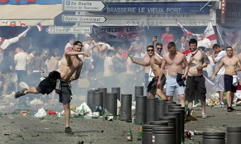 scontri tra tifosi