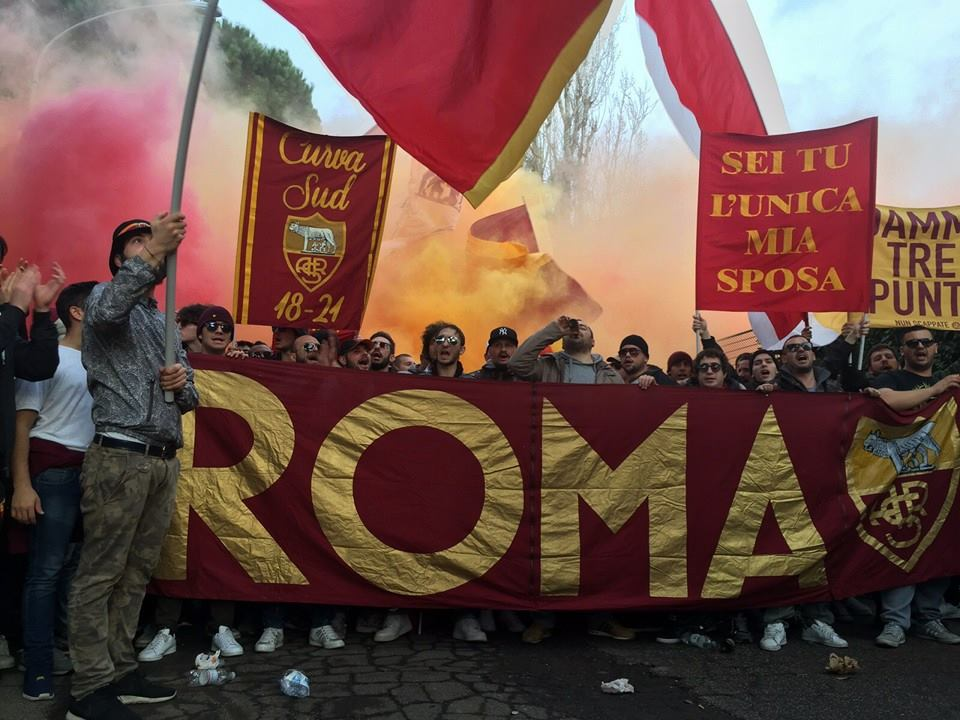 Dentro lo stadio ti sostengo curva sud roma football a for Arredamenti roma sud