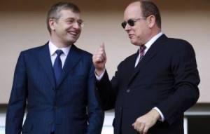 Le président monégasque, ici accompagné par le Prince Albert, lui aussi très investi dans le milieu associatif