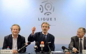 Frédéric Thiriez, ici aux côtés de MM Louvel et Aulas, ne semble pas contre une participation financière des supporters
