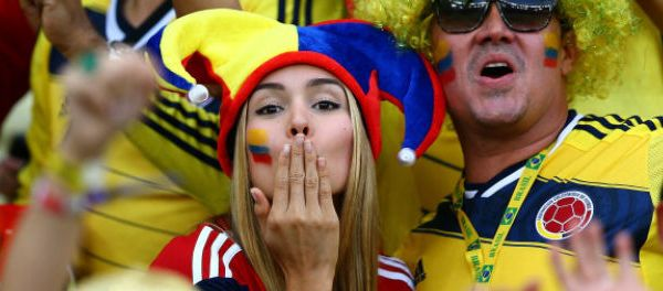 footballfrance-supportrice-colombienne-egerie-jacquie-et-michel-illustration