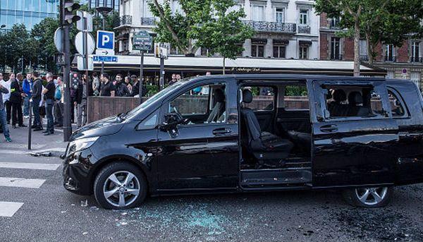 footballfrance-taxi-vs-uber-marseille-om-illustration