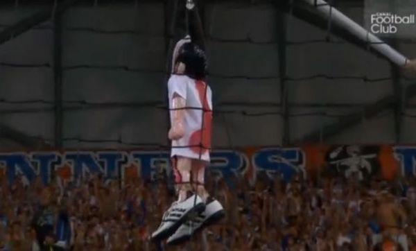 footballfrance-mathieu-valbuena-marionnette-responsable-om-velodrome-illustration-cfc