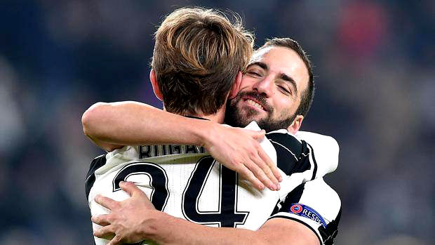 Gonzalo Higuain and Daniel Rugani - Football Hitz