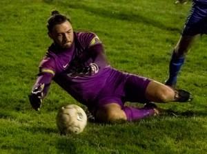 Binfield goalkeeper Nathan Silver. Photo: Neil Graham.