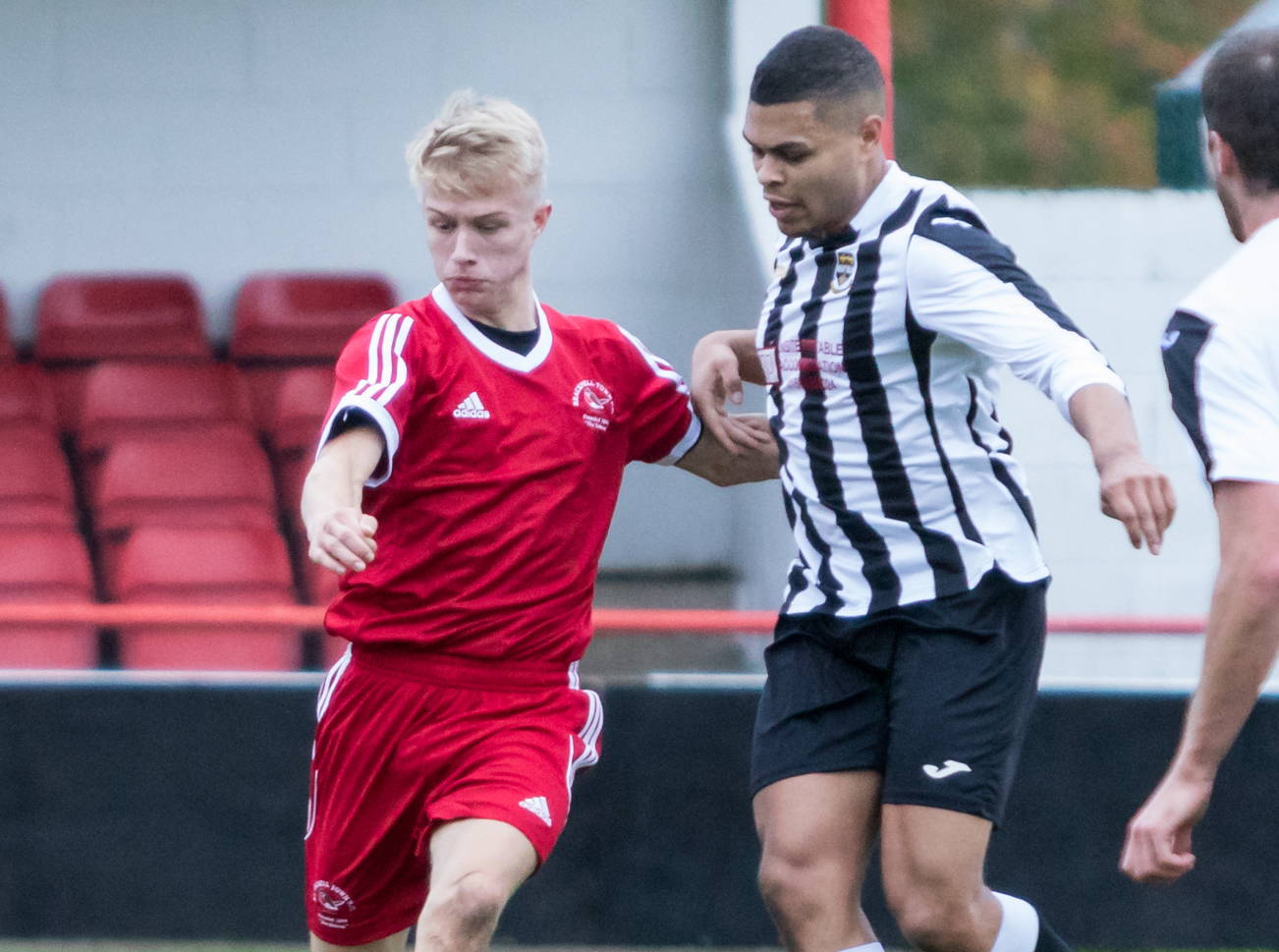 Win or bust for Bracknell Town youth at home to Uxbridge tonight