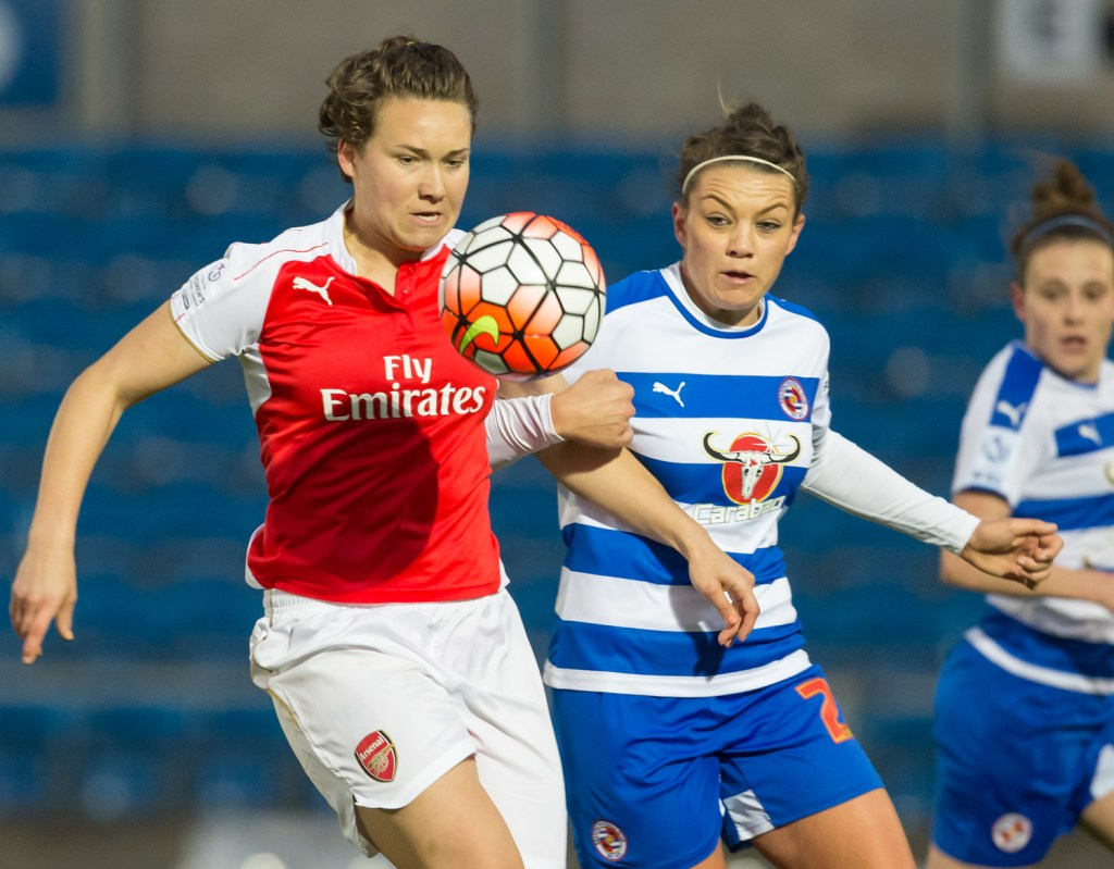 Nia Jones keeps an eye on the ball for Reading Women. Photo: Neil Graham.