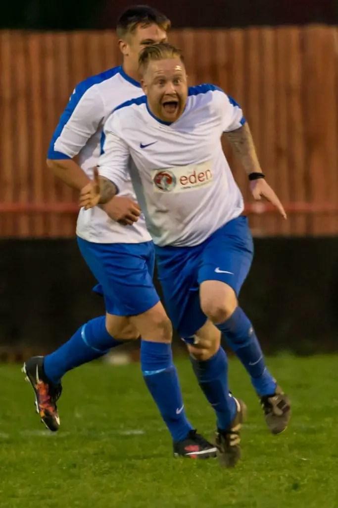 Brian Murphy scoring for Sunningdale & Wentworth. Photo: Neil Graham.