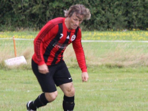 Bracknell Sunday League midfielder becomes longest serving manager in EFL